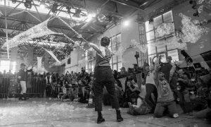 παράσταση με σαπουνόφουσκες, τσίρκο, θέατρο, παιδιά και γονείς, bubbleshows, bubble shows athens, fabrica athens, theater, circus, greece, ελλάδα, αθήνα, θεάματα, διαδραστικές παραστάσεις