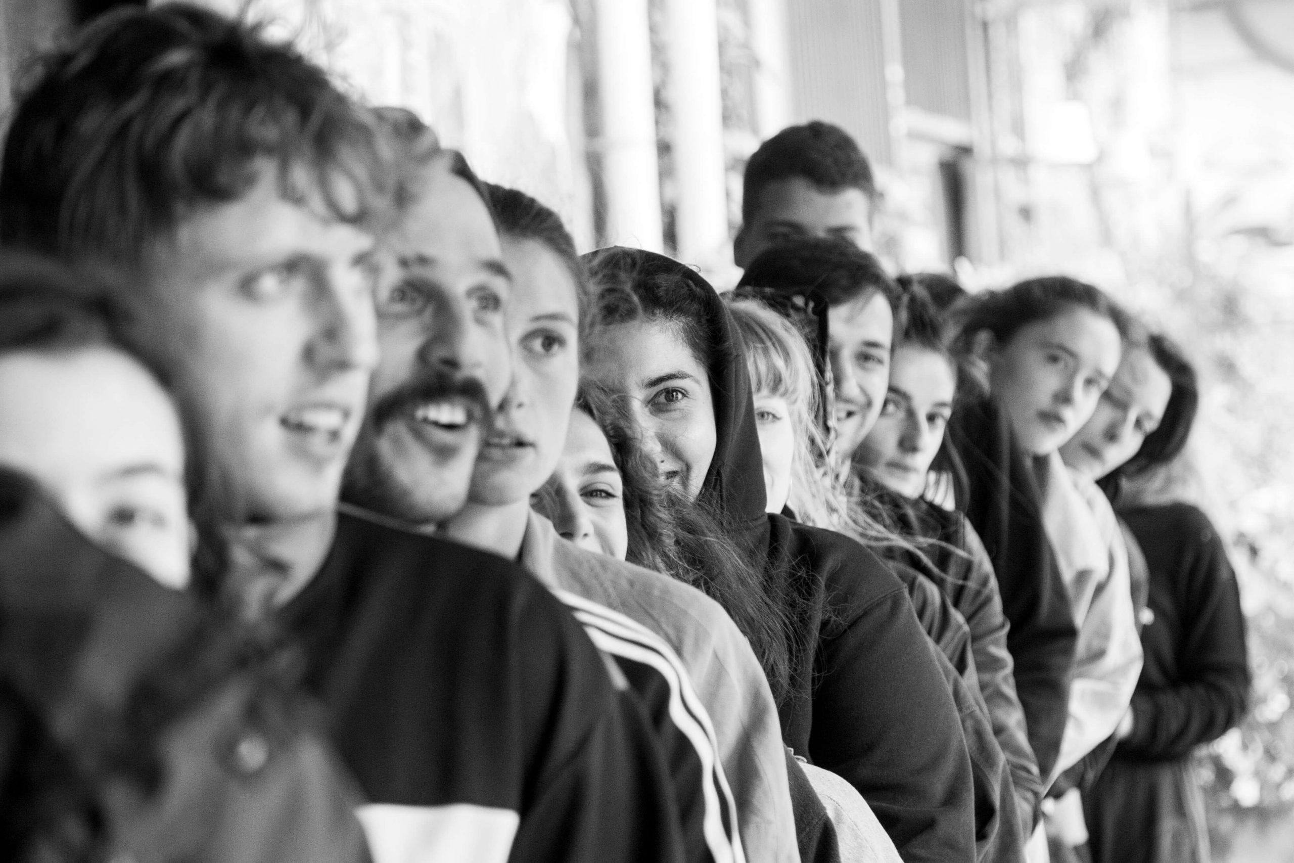 ανταλλαγές νέων, θέατρο, Θεατρική εκπαίδευση, ελλάδα, γερμανία, αθήνα, βερολίνο, σωματικό θέατρο, εφαρμοσμένο θέατρο, φάμπρικα, θεατρική ομάδα, ευκαιρίες για ηθοποιούς, περφόρμερ, fabrica athens, mostar friedensprojekt, theater, performance, youth exchange, theater youth exchange, applied theater, germany, greece, athens, berlin
